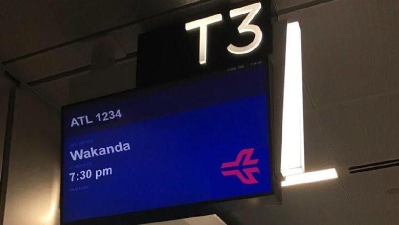 Guyonan penerbangan ke Wakanda (Atlanta Airport/Twitter)
