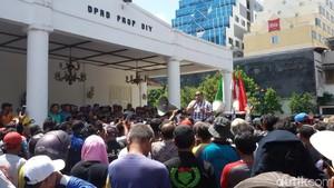 Massa Penarik Becak Motor di Yogyakarta Lagi-lagi Gelar Aksi Demo