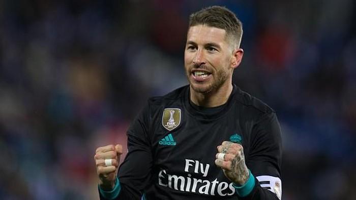 Bahkan seorang Sergio Ramos juga bisa mulas perutnya saat sedang berlaga (Foto: Denis Doyle/Getty Images)