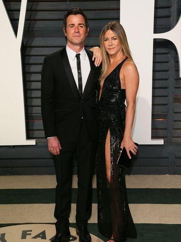 Membaca Bahasa Tubuh Jennifer Aniston & Justin Theroux Setahun Sebelum Cerai