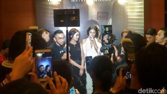 Ramainya Gala Premiere Film Horor Natasha Wilona Nini Thowok