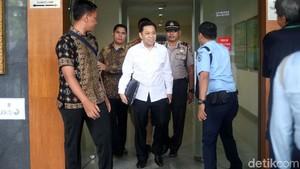 Jaksa KPK akan Konfrontasi Nazaruddin dengan Andi Narogong