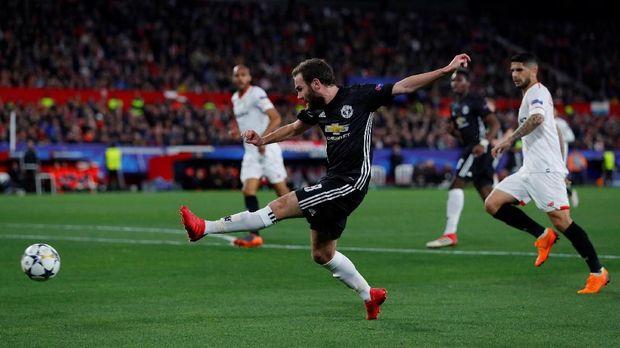 Manchester United bermain imbang tanpa gol lawan Sevilla pada leg pertama babak 16 besar Liga Champions. (