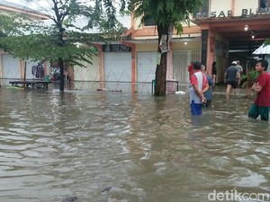 Banjir Rendam 10 Desa di Jombang, Ketinggian Air Hingga 1 Meter