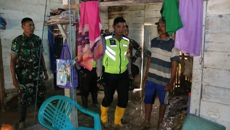 Dua Rumah di Bojonegoro Roboh Diterjang Luapan Kali Pacal