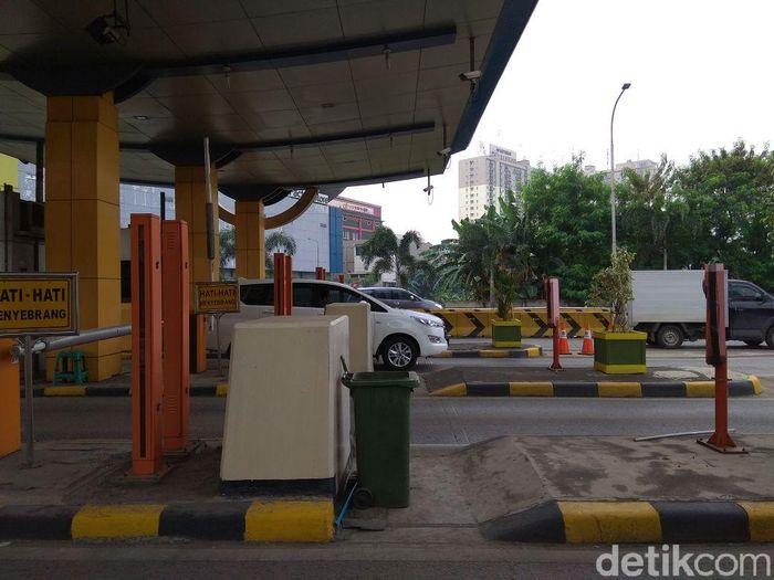 Tol Bekasi Barat (Foto: Trio Hamdani)