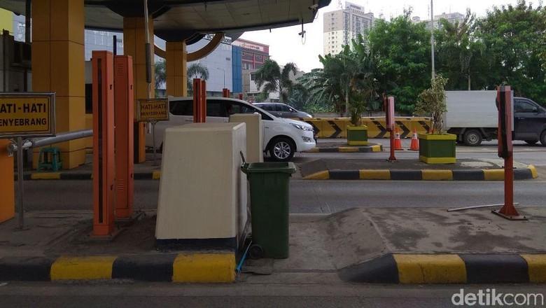 Ganjil-Genap di Tol Bekasi Barat dan Timur Kurangi Kemacetan Hingga 50 Persen Foto: Trio Hamdani
