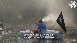 Tentang Aksi Bule Prancis yang Sebut Citarum Sungai Paling Tercemar