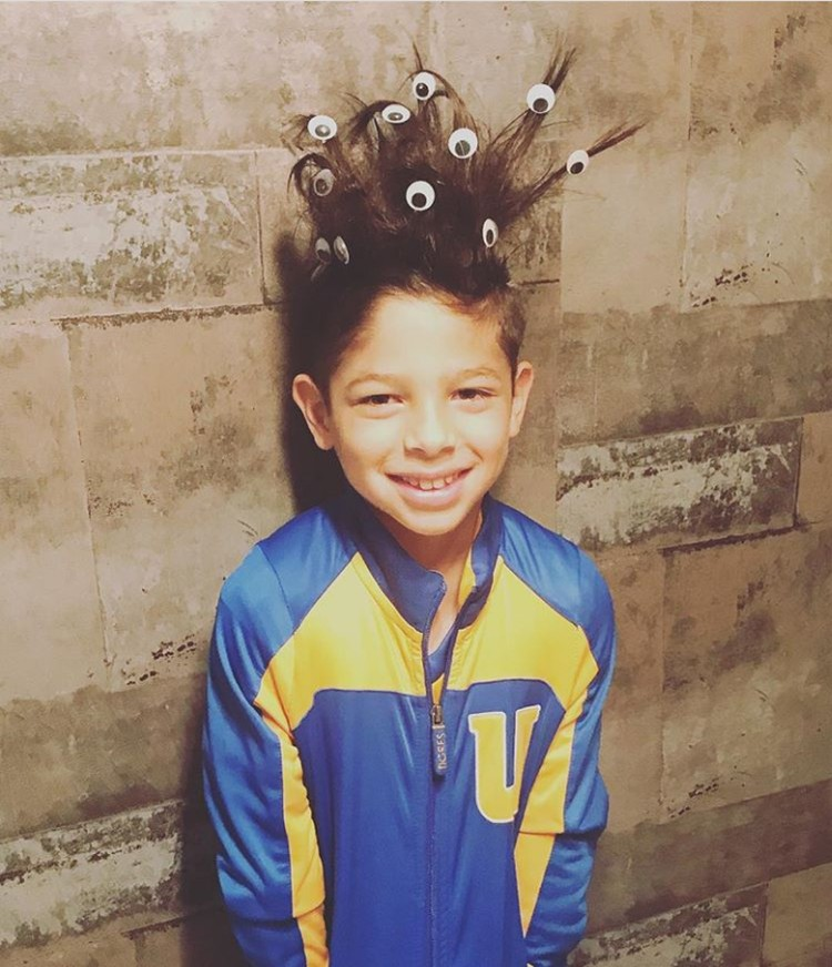 Waa rambut anak ini banyak matanya! (Foto: Instagram @conloshijosdepaseo)