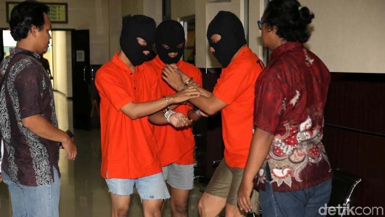 OM Ditelanjangi hingga Jadi Korban Pencurian Gara-gara Status BU