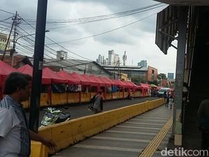 Dagang di Tengah Jalan, PKL Tanah Abang: Sekarang Sepi