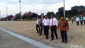 Cerita Menhub Ditagih Gubernur Bangun Rel KA di Kalteng