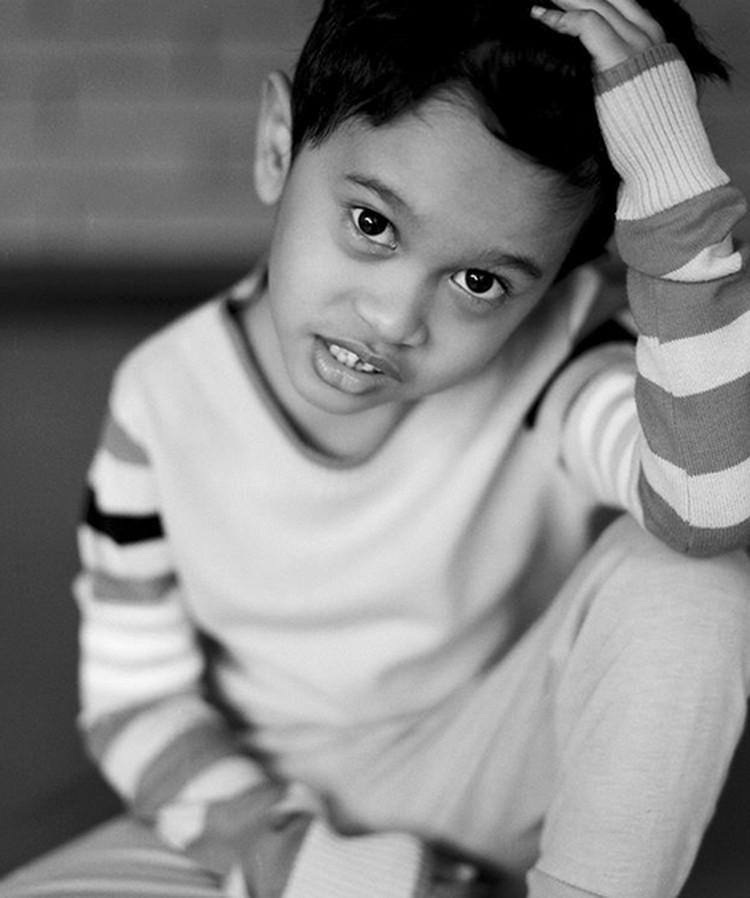 Jagoan cilik Tompi yang tahun ini genap berumur 5 tahun jago bergaya juga lho. (Foto: Instagram/ @dr_tompi)