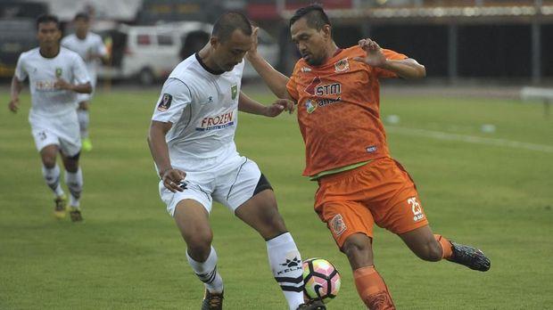 Borneo FC hanya mencetak satu gol di babak kedua yang kemudian dibalas dengan dua gol dari Sriwijaya FC.