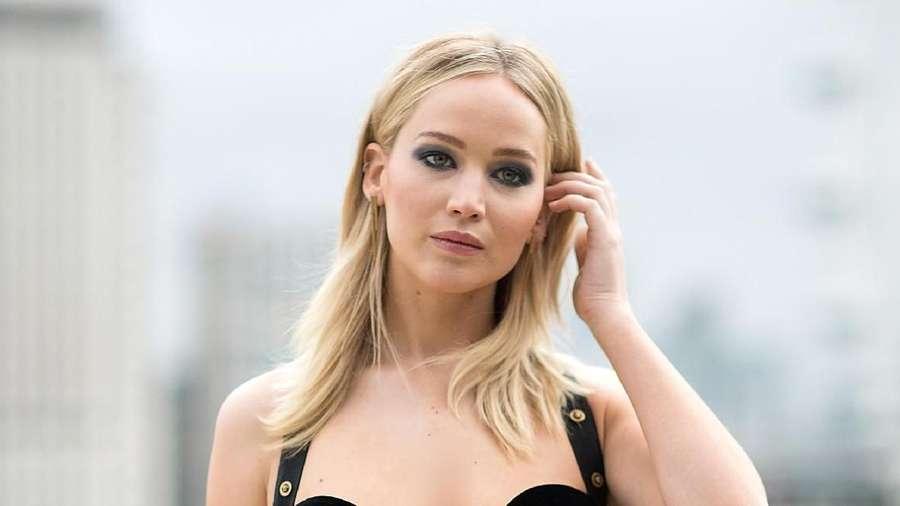 Ini Penampilan Seksi Jennifer Lawrence yang Jadi Kontroversi