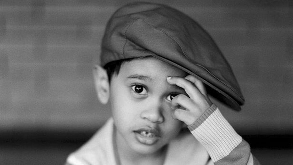 Ini Zein, Anak Bungsu Tompi yang Mirip Banget Ayahnya