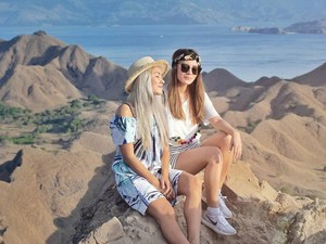 Marischka Prudence & Chantal Della Concetta yang Kompak Traveling