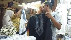 Mau Jumatan Pakai Baju Koko Mirip Black Panther? Di Tanah Abang Ada