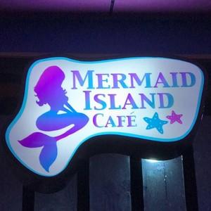 Wow! Sentuhan Serba Putri Duyung Ada di Seluruh Bagian Kafe Cantik Ini