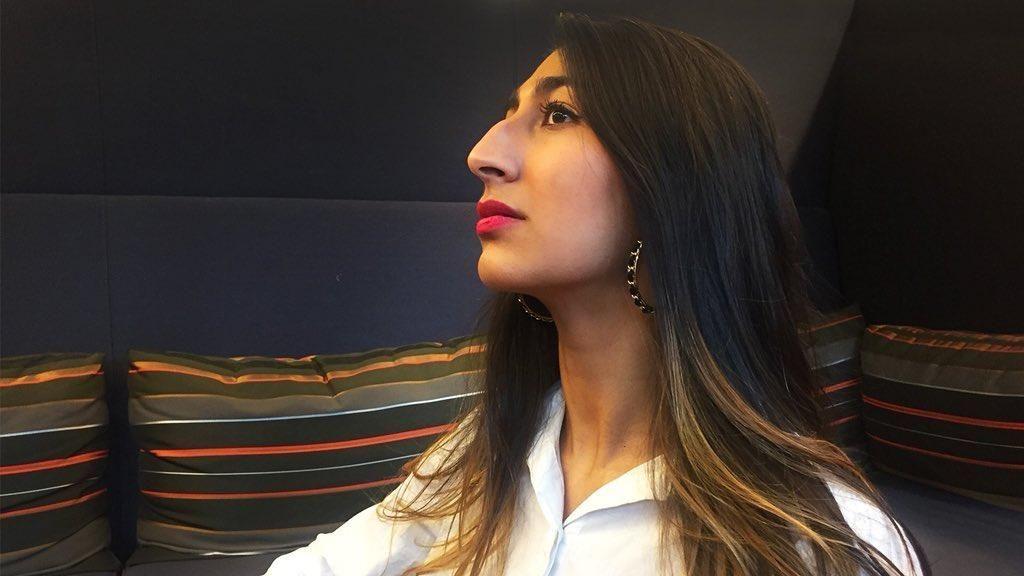 Kampanye Mencintai Hidung Besar dengan Selfie Tampak Samping