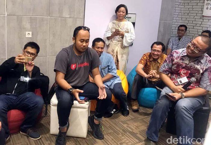 Inilah para pelaku UKM yang sukses dibina di Rumah Kreatif Yogyakarta saat berbagi pengalaman untuk merintis usaha dan meraih sukses hingga produk-produknya bisa di ekspor ke mancanegara.