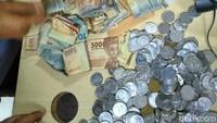 Setelah dihitung, jumlahnya ternyata sebesar Rp 2.340.000. Foto: dok. Dinsos DKI Jakarta