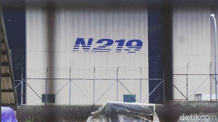 Pesawat N219 secara resmi diberikan nama Nurtanio oleh Presiden Joko Widodo (Jokowi) pada Oktober 2017. Pesawat itu laku 75 unit di Singapore Air Show.