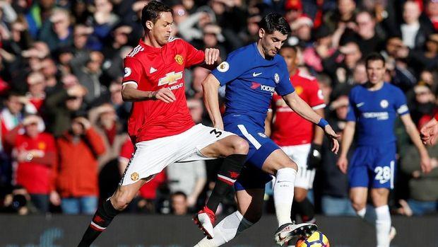 Alvaro Morata gagal membayar kepercayaan yang diberikan Antonio Conte saat melawan Manchester United.