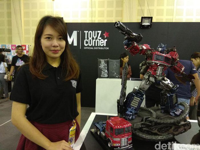 Tessa. Toko XM Studio. Distributor/importir Toys Corner dari Singapura.