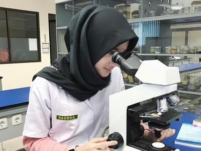 Raudha Kasmir, Calon Dokter Berhijab yang Jadi Finalis Miss Indonesia 2018
