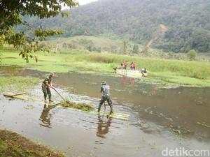 Normalisasi Hulu Ciliwung , TNI-Polri Keruk Telaga Saat di Puncak