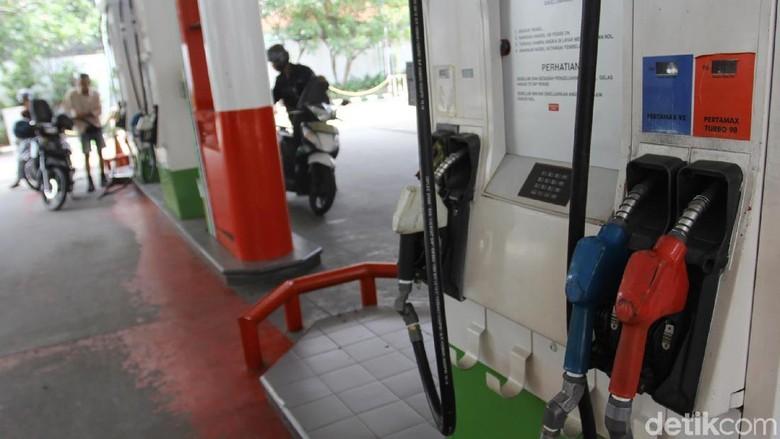 Belum Ada Standarisasi Bensin Euro 4 di Indonesia Foto: Ari Saputra
