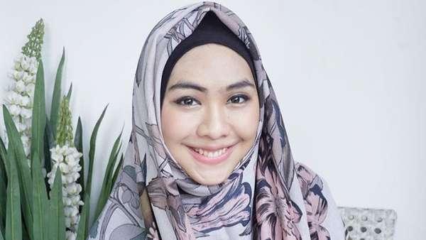 Oki Setiana Dewi Belajar Kesetiaan dari Kisah Ani Yudhoyono