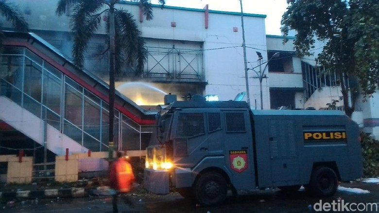 24 Jam Kebakaran Pasar Banjarsari Pekalongan Belum Padam