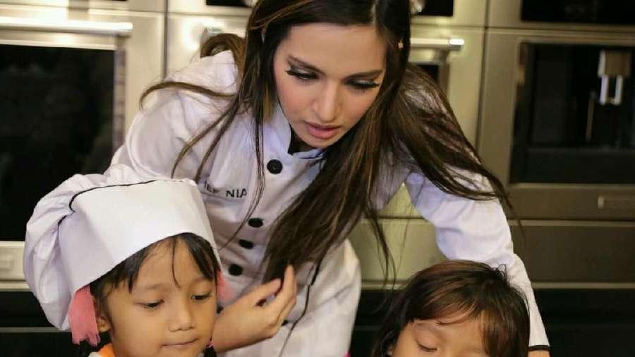 Nia Ramadhani, Sosialita Tajir Bergaya Chef