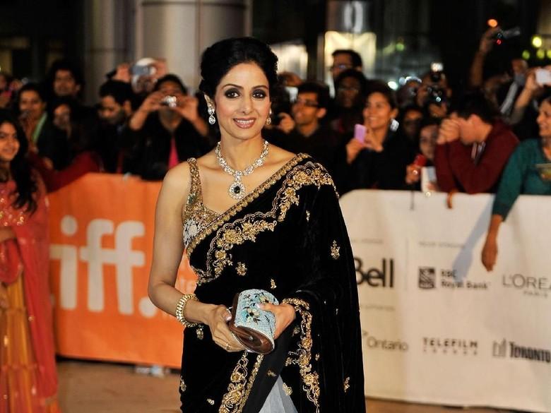 Penghormatan Terakhir Para Selebriti Bollywood untuk Sridevi