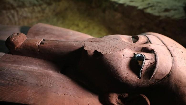Makam Kuno Ribuan Tahun Berisi 1.000 Patung Ditemukan di Mesir