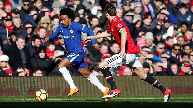 Willian mulai sering dicadangkan di Chelsea pada musim lalu.