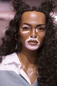 Seperti Wanita Asli, Manekin di Toko Ini Punya Selulit Hingga Bintik Wajah