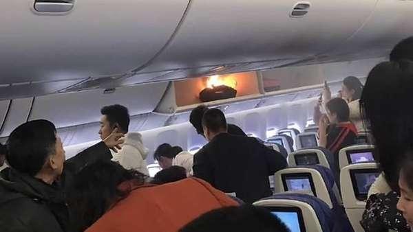 Detik-detik Powerbank Terbakar di Kabin Pesawat Maskapai China
