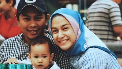 Dukungan Berarti Suami untuk Nina Zatulini Setelah Melahirkan