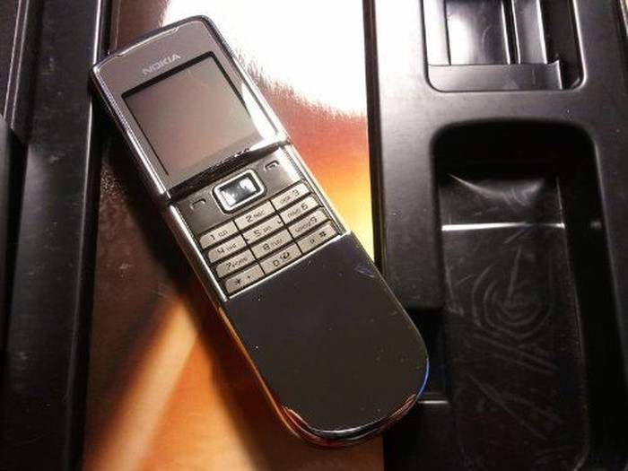29f5d163 c325 471c 8406 456b620d4d97 - 5 Ponsel Jadul yang Masih Pakai Harganya Sampai Puluhan Juta