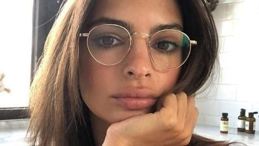 Model Seksi Emily Ratajkowski Resmi Menikah