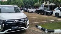 Sejak pagi, deretan mobil listrik sudah terparkir di Kementerian Perindustrian.