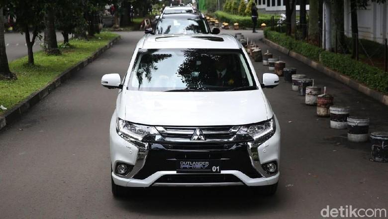 Mitsubishi Outlander PHEV yang disumbangkan ke pemerintah Indonesia Foto: Mitsubishi
