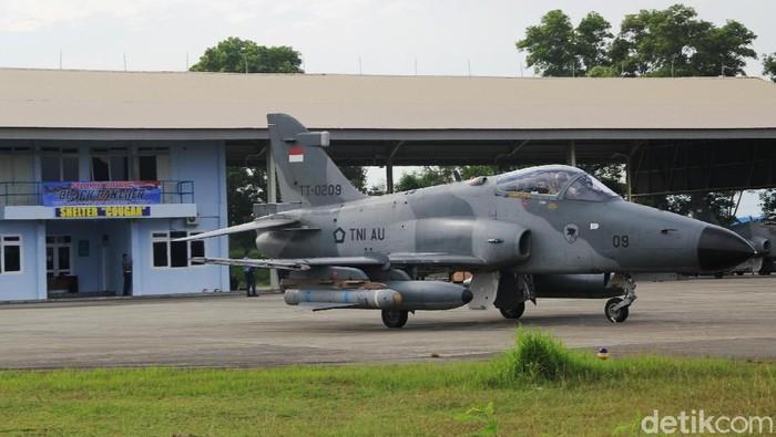 Pesawat hawk patroli di udara (Agus-detikcom)