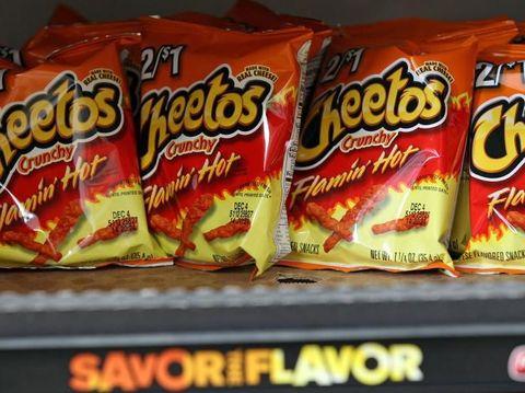 Flamin' Hot Cheetos Diadaptasi Menjadi Sebuah Film