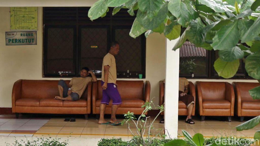 Foto: Tak Berbeda, Begini Keseharian Pasien Rumah Sakit Jiwa