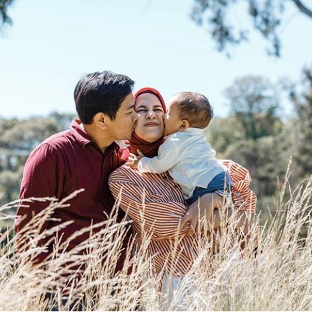 Reaksi Nina Zatulini soal Kejadian Seram di Pesawat yang Ditumpangi Suami
