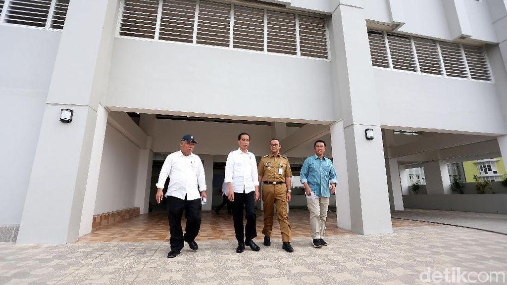 Foto: Jokowi-Anies Tinjau Wisma Atlet